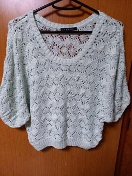 �A 編み編みトップス