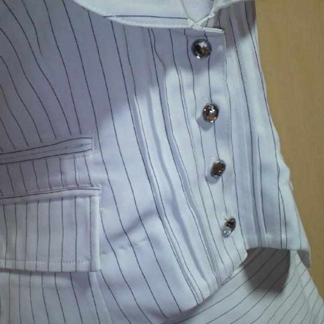 MOCRO白 ストライプ ミニスカート スーツ 3点セット < 女性ファッションの