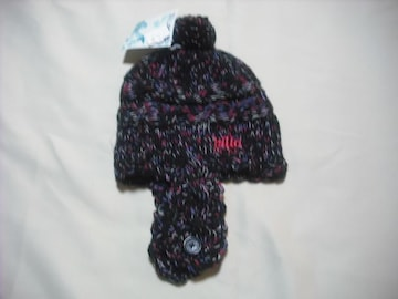 wb31 女 BILLABONG ビラボン 耳当て ボンボン付き ニット帽 黒