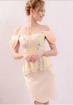000062 オフショル ペプラムロマンス花柄胸元ビジューフラワーカットミニドレス