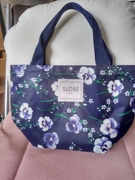 小さい花柄のトートバッグ