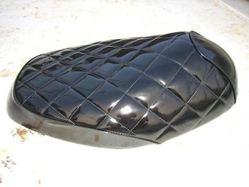 シグナスX SE12J シートカバーエナメル黒