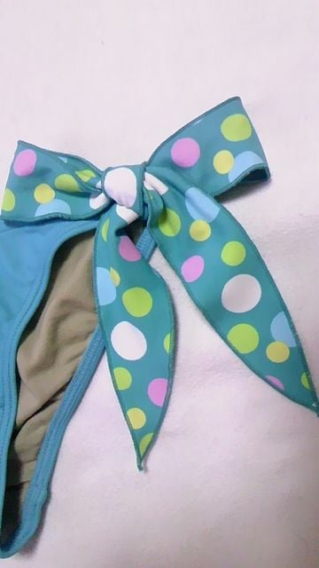 ViVifleurs〓新品〓ドット柄ホルターリボン三角ビキニ水着〓シュシュ3点セット〓青 < 女性ファッションの