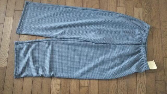 新品、定価2900円のパジャマの下の商品です。  < ブランドの
