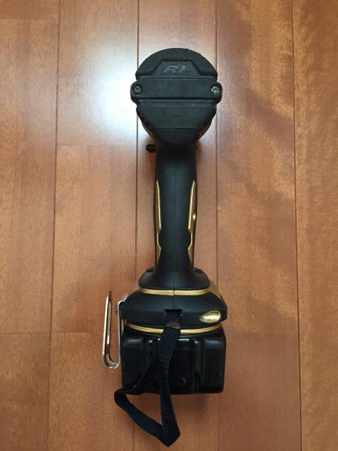 マキタ インパクト ドライバー TD137  バッテリー 二個 充電器 < ペット/手芸/園芸の