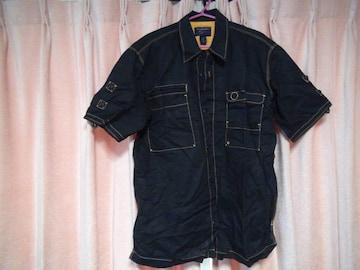 バズビーンの麻で黒の半袖ドレスシャツ(L)!。