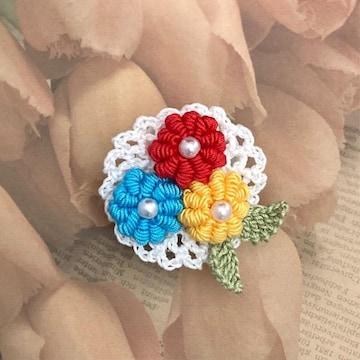 ハンドメイド♪レース編み お花畑のブローチ