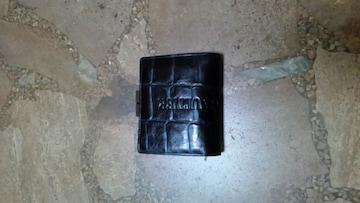 ジャンポールゴルチェ・2つ折りがま口財布・クロコ型押し・黒
