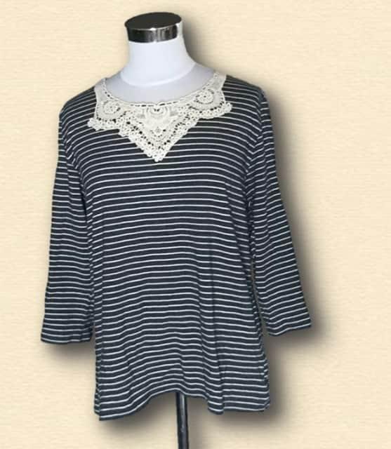 新品ボーダー刺繍長袖Tシャツ3L大きいサイズ  < 女性ファッションの