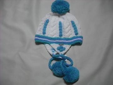 wb30 女 BILLABONG ビラボン 耳当て ボンボン付き ニット帽