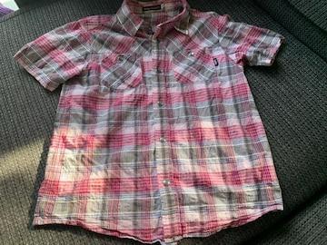 BeBe薄手半袖シャツ130センチ