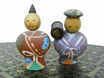 コケシの出品<ひゃ〜☆>古い!!!