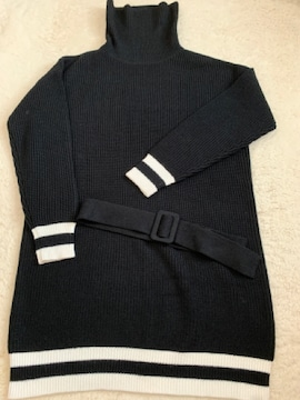 radyレディ ラインニット美品 黒×白ハイネックニットワンピ