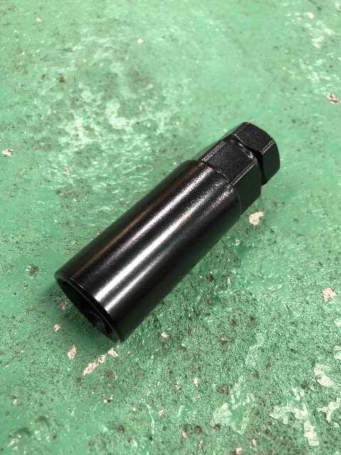 新品未使用貫通ロングスチ-ルナット1台分20本ゴ-ルドM12ボルトP1.5送料無料 < 自動車/バイク