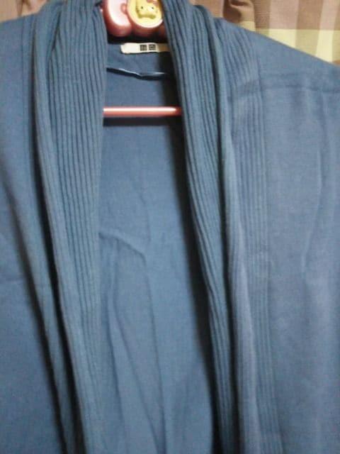 ★UNIQLO ユニクロ オシャレデザイン カーディガン サイズS 気品● < 女性ファッションの