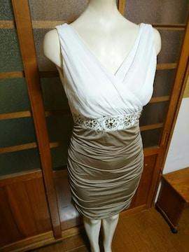 白×ブラウンベージュ ミニドレス