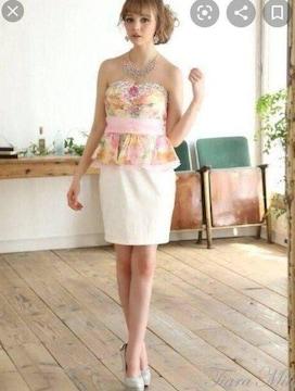 TiaraMily ペプラムフリルベアミニドレス(ピンク×ホワイト)