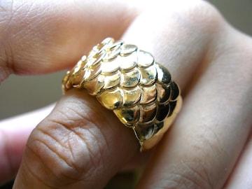 仁尾彫金『ゴールド平打龍彫りリング』ハンドメイド