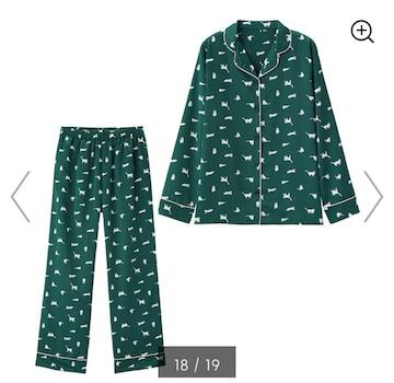 GU・猫リボンキャット柄ダークグリーンサテン長袖パジャマ