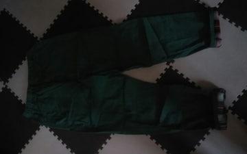 新品 グリーン 綿パンツ