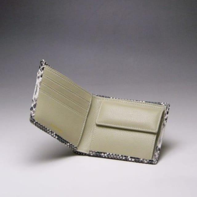 ★ダイヤモンドパイソン ヘビ革 折財布 12 ブラック新 < 女性ファッションの
