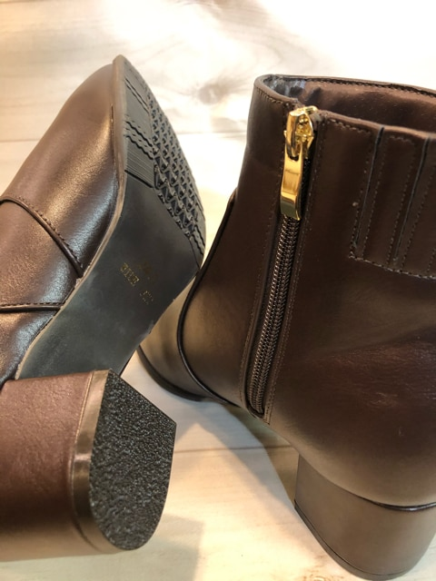 新品☆24.0cm幅広4Eシンプル楽ちんショートブーツm129 < 女性ファッションの