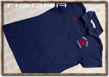 ティゴラ 刺繍入りポロシャツ 紺