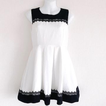 黒白刺繍レースタックプリーツフレアスカートドレスワンピース