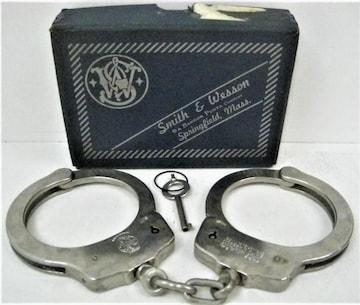 希少 逸品 手錠 ハンドカフUSA製スミス&ウェッソンS&W コスプレ