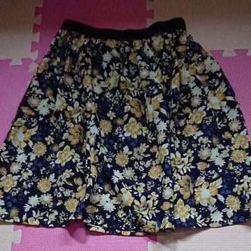 ハニーズ☆GLACIER☆花柄スカート☆L