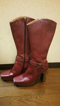 送料無料/エンジ色ベルト&スタッズ付厚底ロングブーツ定価24800円の品