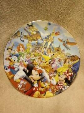 ディズニー飾り皿23.5センチ程食用皿ではありません