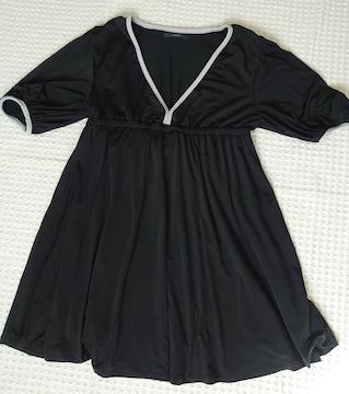 ☆DURAS 黒パイピング深V5分袖チュニック☆