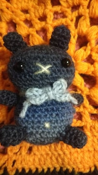 手編みのあみぐるみ、ウサギ