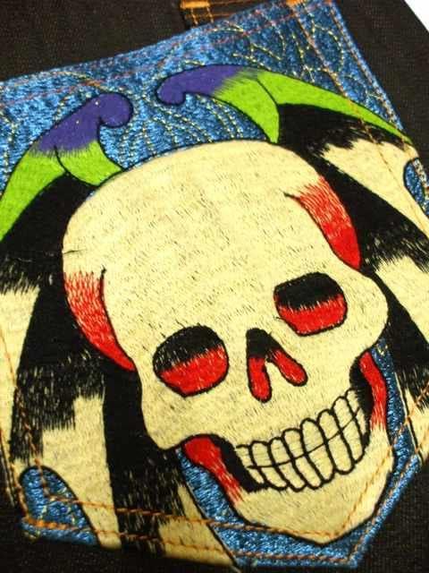 セール新品EdHardyエドハーディー★タトゥーデザイン★スカル刺繍ジーンズW32デニム < ブランドの