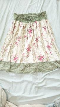 ☆パラビオン☆薔薇柄スカート