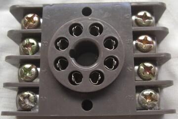 共用ソケット8P 丸形ソケット(表面接続)角台座未使用品0525