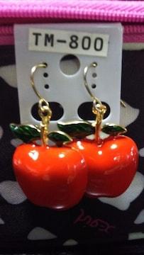 新品 真っ赤で大きなリンゴのピアス