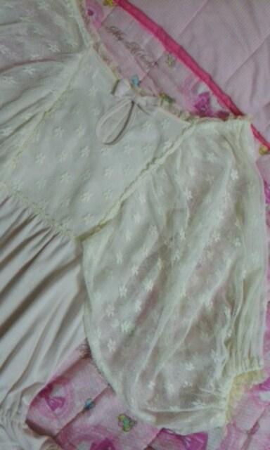 リズリサ透けレースボリューム袖素敵なトップス春夏 < ブランドの
