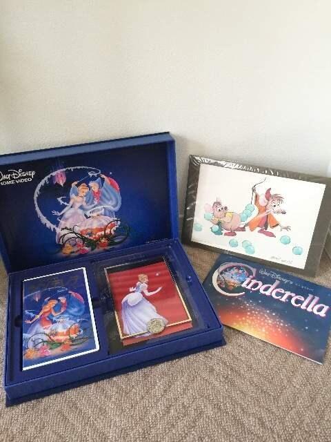 ディズニー シンデレラ ビデオギフトセット 30,000セット限定品 中古  < おもちゃの