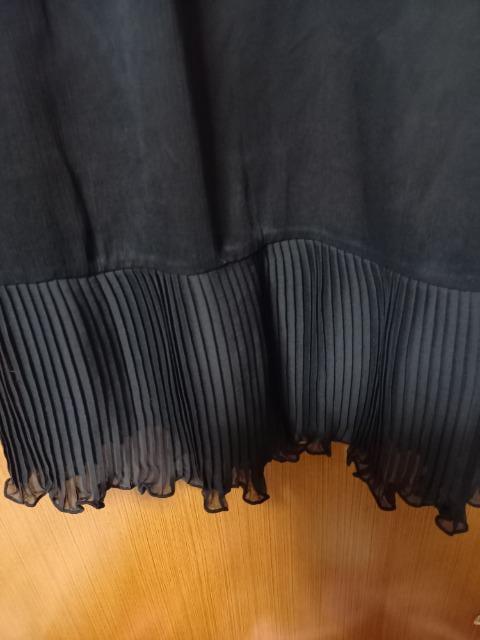 �A 黒のシフォンブラウス < 女性ファッションの