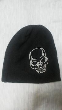 激安セール未使用新品シルバーどくろ刺繍入ブラックニット帽