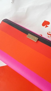 姫ケイトスペード長財布ピンク赤白黒カラフル色鮮やかストライプ