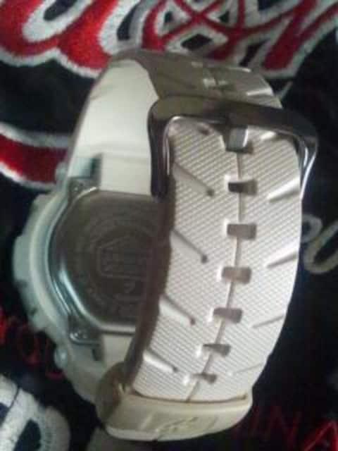 CASIOG-SHOCK腕時計G-300LVホワイト白稼動品「#訳あり」 < 男性アクセサリー/時計の