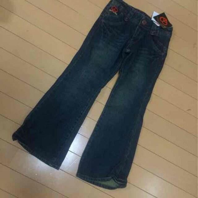 新品◆ゴールド刺繍デニムジーンズ◆ハートピース130  < キッズ/ベビーの