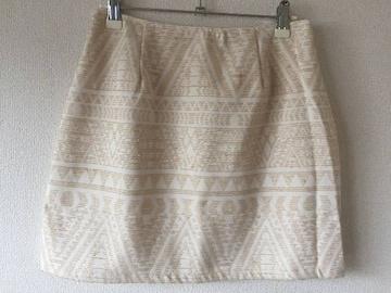 セシルマクビー 柄物 台形 ミニスカート ワンピース 白 ホワイト ベージュ イング