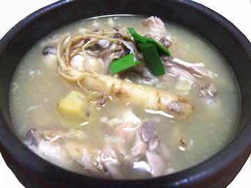 サムゲタン『参鶏湯』韓国 高麗人参入
