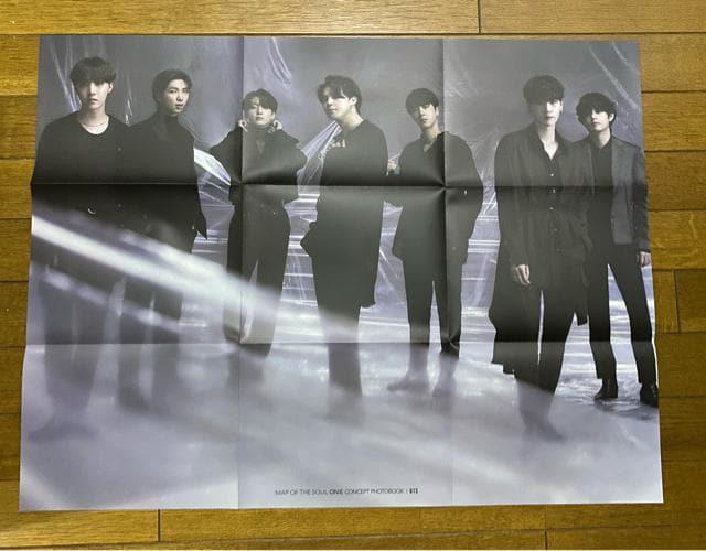 BTS(防弾少年団)  写真集 < タレントグッズの