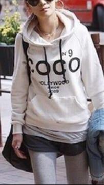 ☆新品未使用COCO裏起毛フード付き背中N°9ロゴトレーナーL