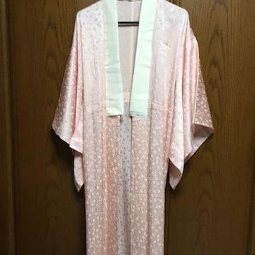 とっても素敵な長襦袢。ピンク。正絹。光沢感有り